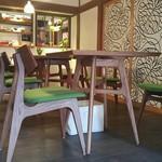 ユカフェ - テーブル席