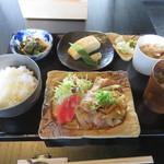 厨房 十 - 豚の生姜焼