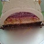 アステリスク - クリスマスケーキ(半分に切りました!)