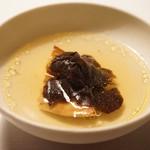 Restaurant Satoshi.F - ポルチーニと黒トリュフのスープ