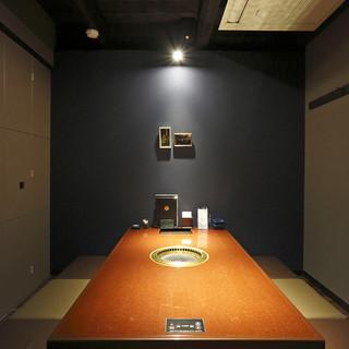 落ち着いた個室の空間