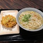 親父の製麺所 - かけうどん320円+かき揚げ130円