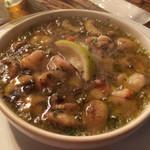バール・パッパ - 海老とマッシュルームのガーリックオイル煮