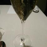 オルト - シャンパンで乾杯です