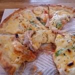 香房 ゆず夢cafe - 自家製ベコーンのピザ 思わず食べかけちゃってw