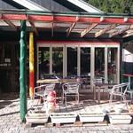 香房 ゆず夢cafe - 入り口で、横には冬場は無いけどopカフェスタイル