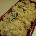 おこわ米八 - 料理写真:鯛おこわ
