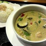 タイ料理 けん - グリーンカレー(\800/ライス付)です
