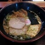 三宝軒 - 『塩ラーメン中』620円(税込8%)