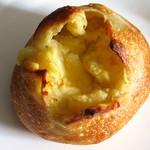60511118 - ジャガイモチーズパン \240