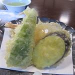 玄海 若潮丸 - 天婦羅は宗像の新鮮な魚貝や野菜を使った揚げたての天婦羅です、天つゆもバリウマでした。