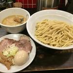 紋次郎 - 特製つけ麺・300g(980円)