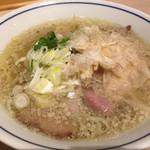 らーめん鱗 - 塩ラーメン(¥750)