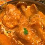 アジアンレストラン&バー メラ - チキンとシメジのカレー