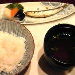 杉の家 やまぐち - ご飯&めざし&味噌汁