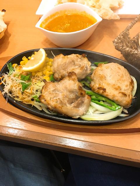 インド料理 チャルテ チャルテ 尼崎店 - 炭火焼チキンセット (スパイス&ハーブチキン)