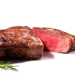 ホルモンフリーの最上級肉を低温熟成焼きで焼き上げる