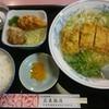 広東飯店 - 料理写真:中華風カツラーメン、定食