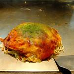 元祖へんくつや - 料理写真:肉玉(そば・イカ天)