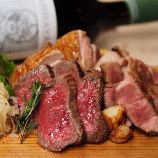 北海道知床産黒毛和牛や蝦夷鹿!肉も豊富