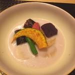 しゃぶしゃぶ すき鍋 おもき - 「松阪豚会席 匠」コース/お椀・松阪野菜の豆乳煮 おもき銀座