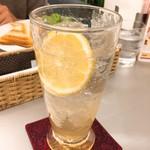 カフェメルカード - 檸檬スカッシュ(税込821円)