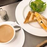 カフェメルカード - ハニーマスタードチキンとたまごのホットサンドセット(デザートなし)(税込1,091円)