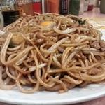 あぺたいと 本店高島平店 - 唐揚げセット大¥1,500の焼きそば ホリゾンタルアングル