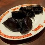 タイガー餃子会館 - 黒牛肉餃子(580円)