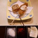 サマルカンド柴藤 - 左:生麩のあられ 右:牡蠣