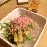居酒屋鳥のぶ - のびるとワカメの酢味噌¥400