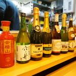 中華そば de 小松 - 飲み放題のドリンクが沢山あるのですが、持ち込みも可能です。