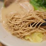 一風堂スタンド - 2016.12  糖分ニブンノイチ白丸の麺