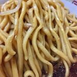 60578358 - 麺は二郎の中では細め