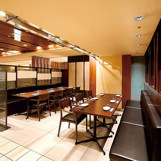 【大阪駅直結】金・土・休前日は23時まで営業の、便利なカフェ