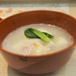 Gionokada - 蛤、かぶら、芋茎豆腐のすりながし。