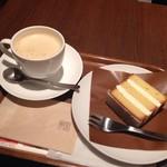 60579414 - ザントクーヘン&無糖ミルク紅茶 M