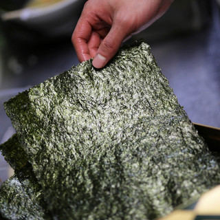 トッピングは浅草の名産品を使用
