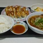 餃子の王将 - 餃子セット770円ご飯大盛は+50円<896円>