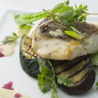 産直鮮魚を厳選。安心安全を心がけ、確かな食材を提供致します。