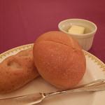 マゼランズ - 玄米パンと米粉パン
