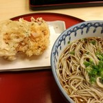 60589821 - ランチのかき揚げそば 冷たいそばにて。 お願いして、天ぷら別盛りにしてもらいました。たしか920円