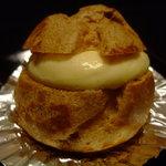 ピュイダムール - 看板商品:シュークリーム