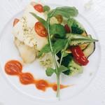 60599245 - スズキのポワレ トマト・バジル・チーズのカプレーゼ仕立て