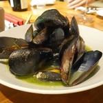 ポンペット - ムール貝のワイン蒸し