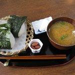 ほっとすていしょん比良 - 料理写真:おにぎりセット(350円)