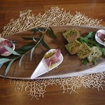 60601842 - 春菊のケークサレと鴨とキャロットラペ