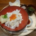 60605951 - しらすイクラ丼