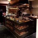 ビストロ 熟肉 - 熟成肉の焼き場(厨房)