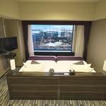 60607998 - ベッドの真正面はUSJ全景を見下ろす。
